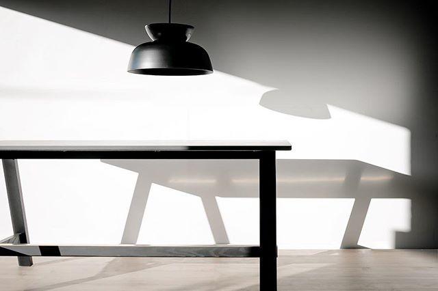 Hat Pendant, Black on Black⠀  Pic: @samkempnz ⠀ #madeinmelbourne #lumil_design #ceramic⠀ #nzdesigner⠀ ⠀ #australianarchitecture #design #australia#modern #australian #designers#interiordesign #australiandesign#industrialdesign #lightingdesign #pendant #light #lights#pendantlight #chandelier #design #designer#furniture #architect #home #decor #decoration #interior #interiors #style