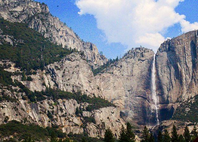 Upper Yosemite Falls, still raging through August 🏞