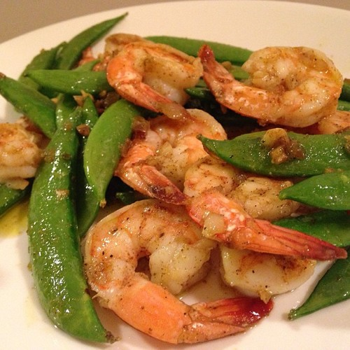 7-Minute Paleo Garlic Cajun Shrimp with Snap Peas via Worthy Pause