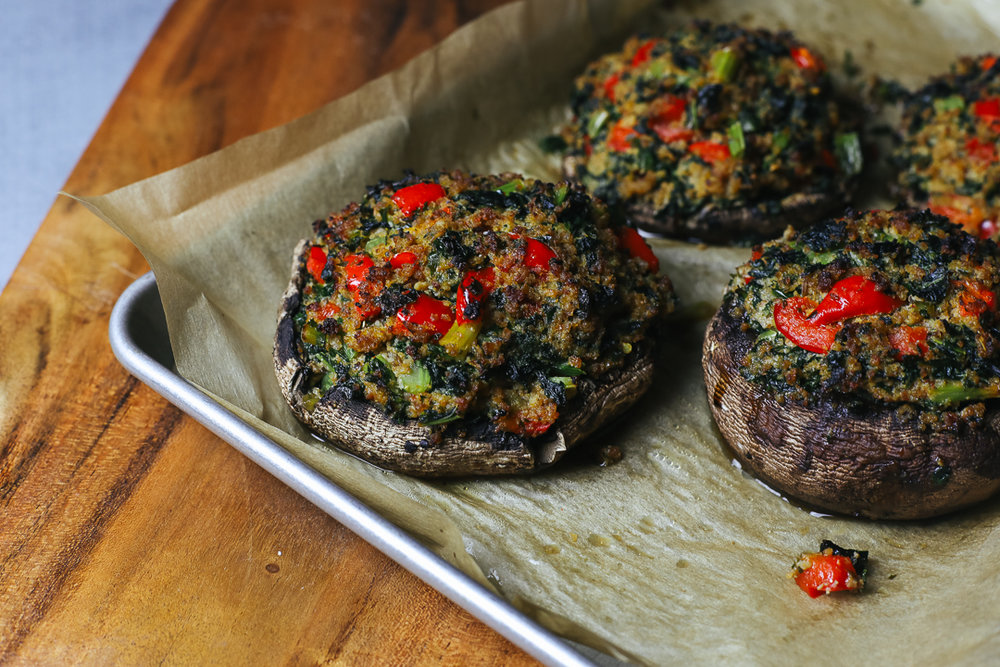 Paleo Stuffed Portabella Mushrooms Recipe via Worthy Pause