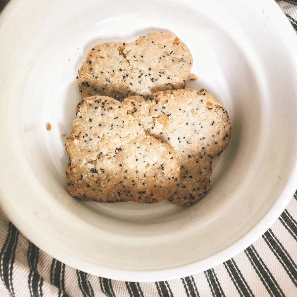 Oh-I-adore-poppy-seed-biscuit-recipe.jpg