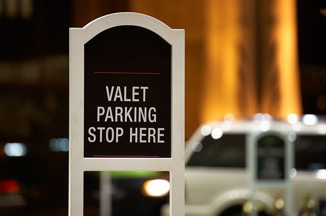 how-much-to-tip-valet-1-1-640x423.jpg