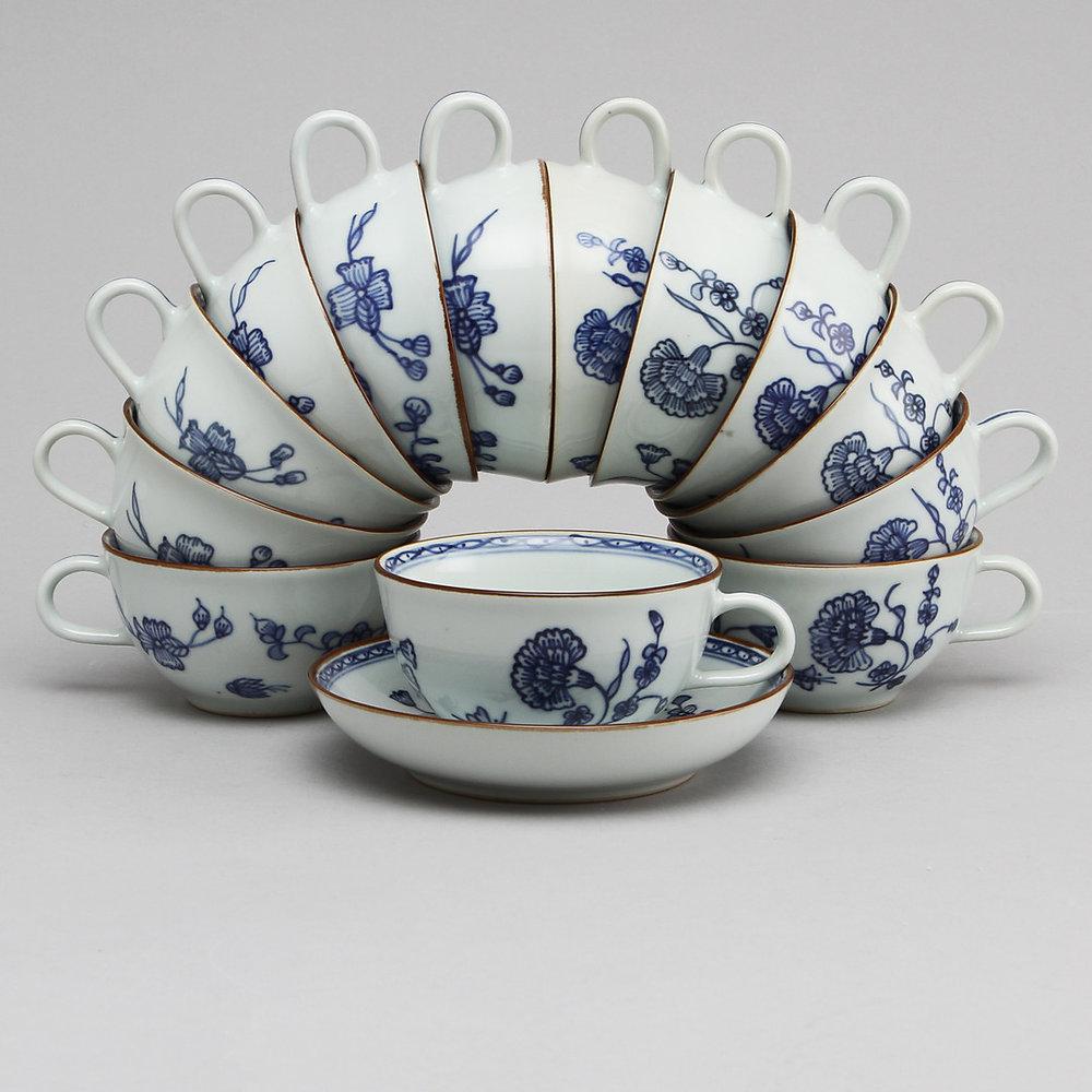 Service en porcelaine de la Collection 1700. Adjugé 1 100 euros le 1er mars 2015 par Göteborgs Auktionsverk