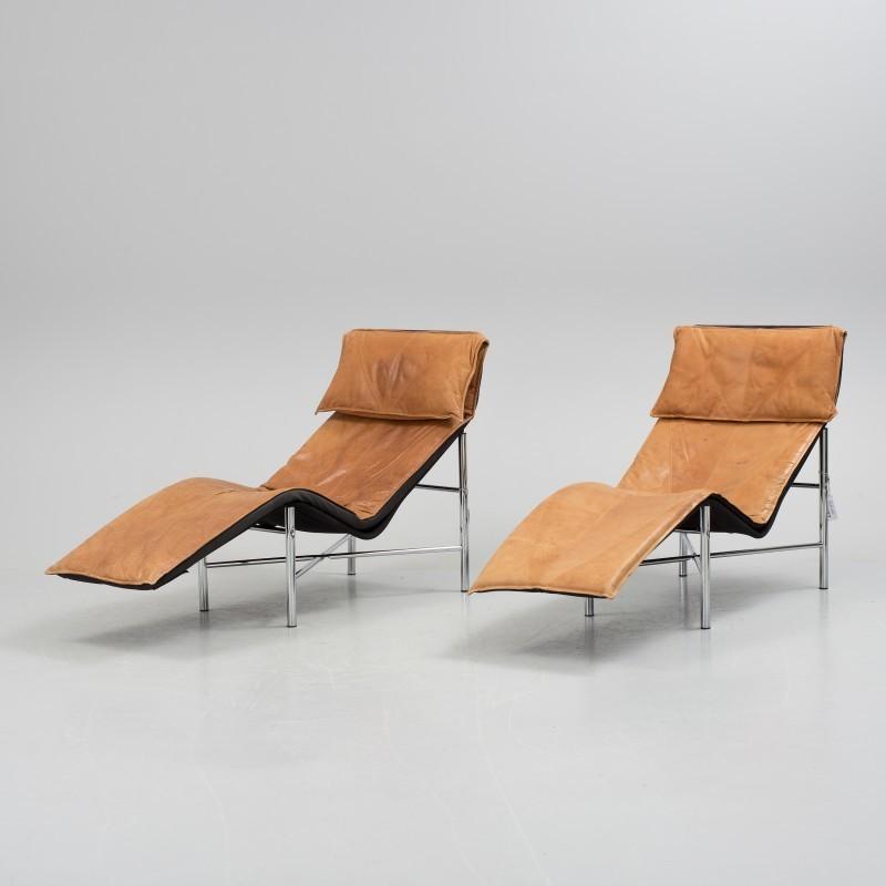 Une paire de fauteuils « Skye » a été vendue 510 euros le 20 septembre 2016 par Bukowskis.