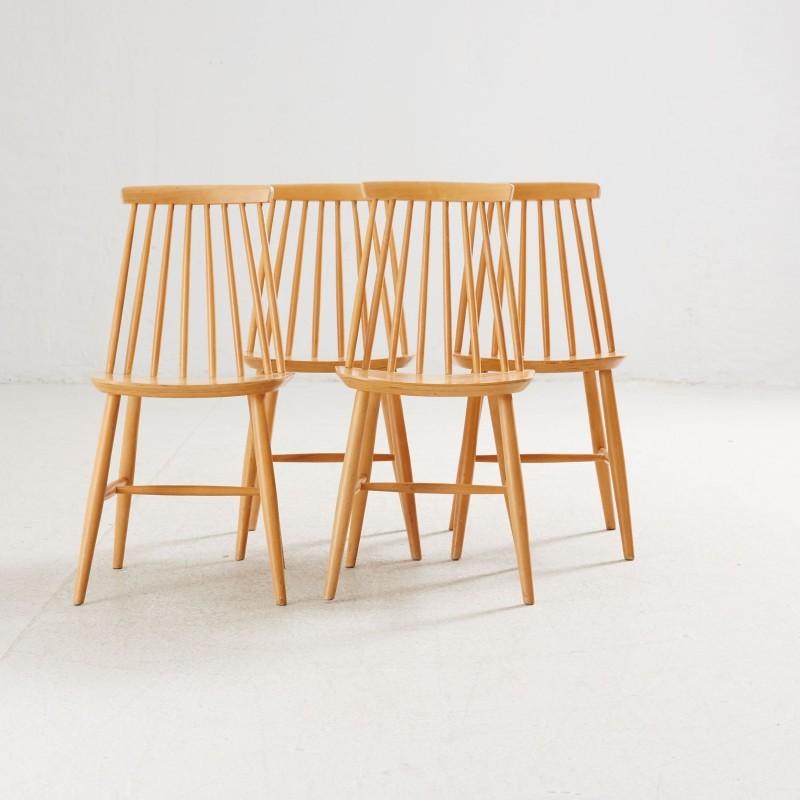 Le 16 novembre 2016, quatre chaises de la collection ont été vendues 180 euros par Stockholms Auktionsverk Online.