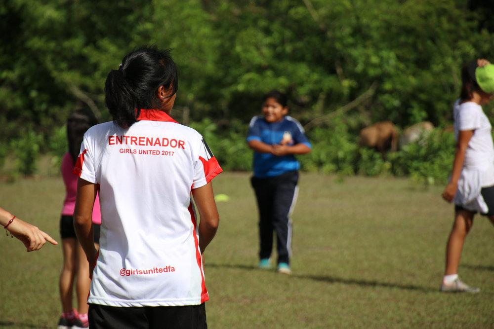 Girls' Football, Girls United FA, Girls United, Entrenador