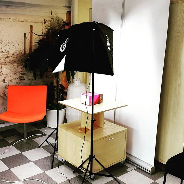 Our @visitnatureandyou Webshop has been given a facelift, we created our own little picture studio in our Health Shop in Helsinki. Have a look at the end result on www.natureandyou.fi 😀 Tags #DVG #DolceVitaGlobal #CreatingHappiness #NaY #NatureAndYou #photoshoot #studio #style #webshop #health #terveys #wellbeing #hyvinvointi #nextgen #fitness