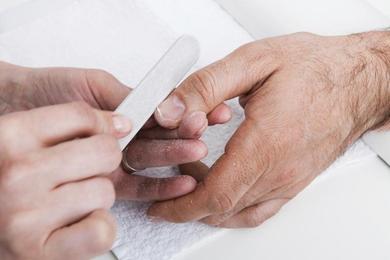 Manicure man close-up_104827.jpg