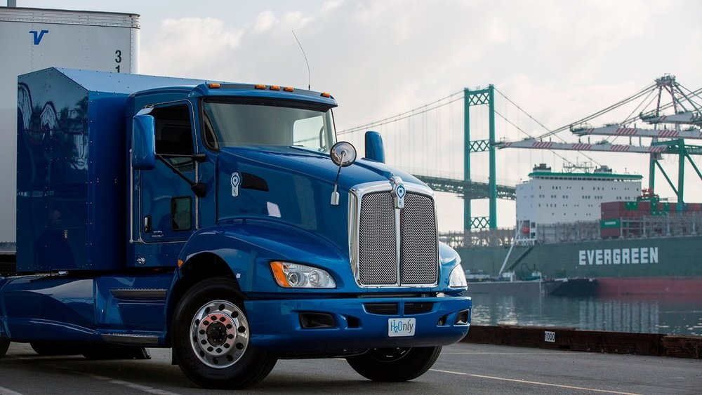 Toyota Zero Emission Hyrogent Fuel Cell Truck at Port of Los Angeles.jpg