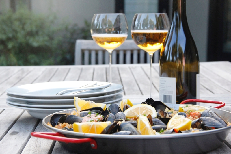 paella-outside-wine