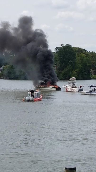 Boat Fire Baltimore Yacht Club