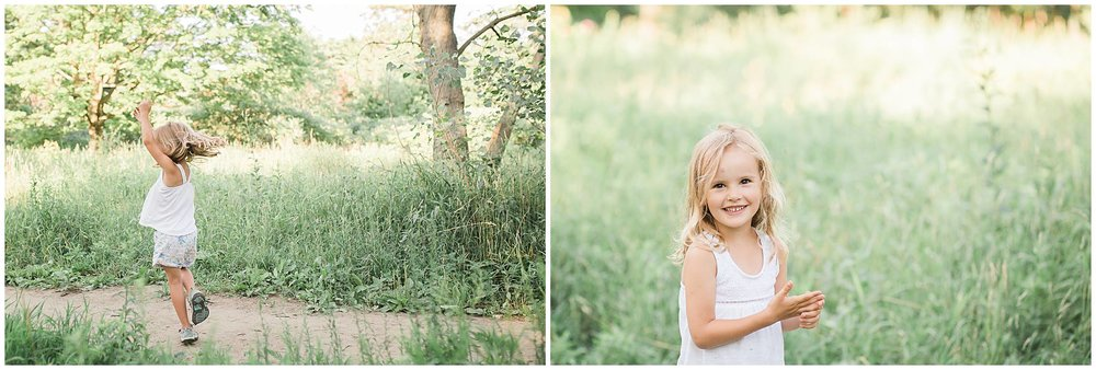 Best Toronto Outdoor Family Photographer