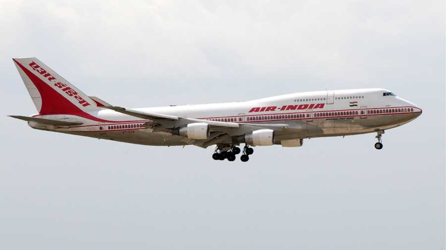 Air India Package | Editor and sound design    Broadcast on Monocle 24   Air India's crew has been asked to bark patriotic exclamations at the end of cabin announcements. Andrew Mueller explores a strange new manifestation of Narendra Modi's nationalism as India's election approaches.