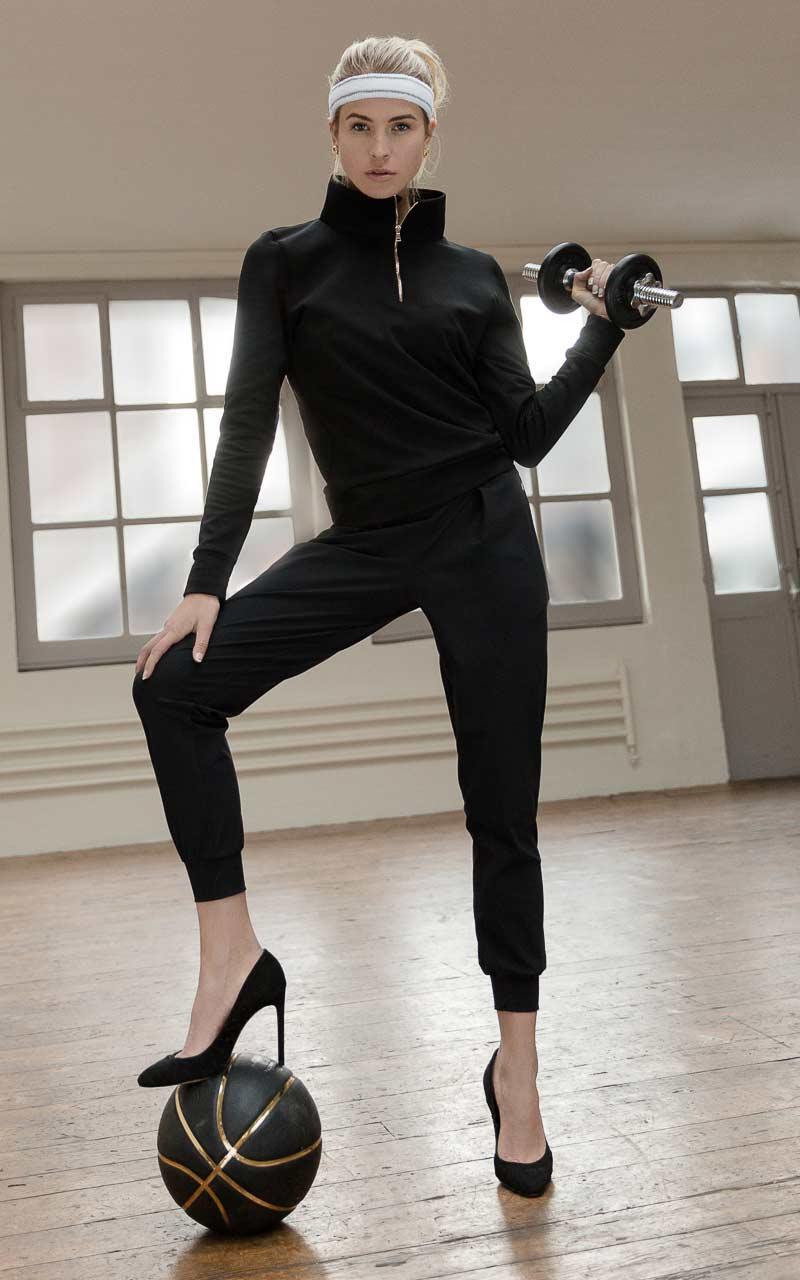 lookbook_iconic_merino_sweater_luxe_legere_track_pants_black.jpg