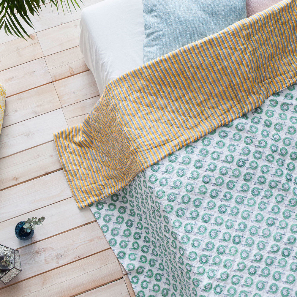 The Little Peacocks & Strips reversible quilt, 100% cotton, now CHF 220