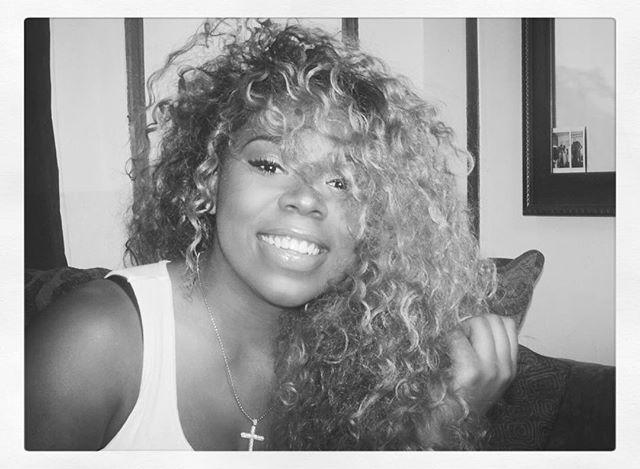 Live. Love. Serve. • • • • #Blackgirlbloggers  #feelheraura #blogger #media #music #fortheculture #potd #ootd #motd #hotd #fortheloveofhiphop #hiphop #Fashion #beauty #makeup #pink #blackgirlmagic #nyc #nycblogger #mediapersonality #ootd #photography #slay