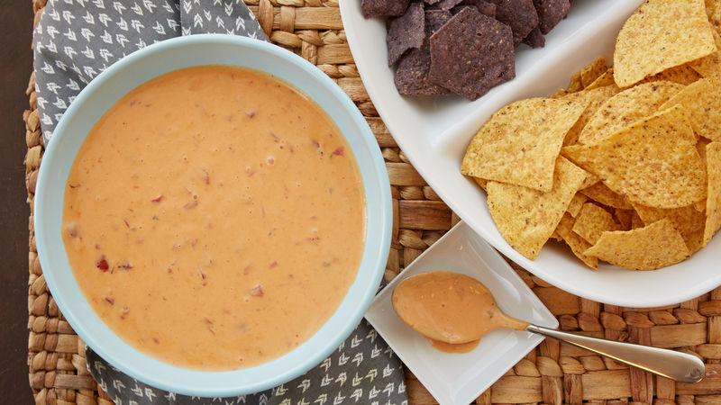 2_ingredient_slow_cooker_queso_cheese_dip.jpg