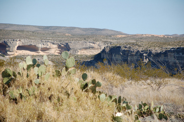 Traveling along the Rio Grande River on US-90.