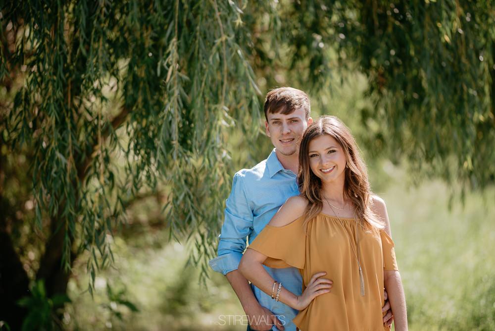 Katelyn.Dillon.Engagement.blog.TheStirewalts.photo.2017-12.jpg