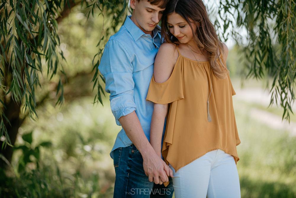 Katelyn.Dillon.Engagement.blog.TheStirewalts.photo.2017-14.jpg