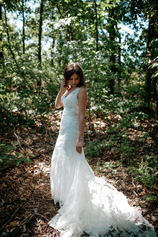Katelyn.Maestri.Bridals.©2017.TheStirewalts-3.jpg