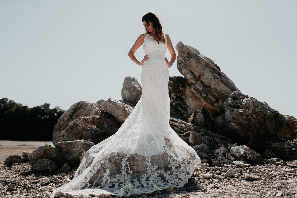 Katelyn.Maestri.Bridals.©2017.TheStirewalts-37.jpg
