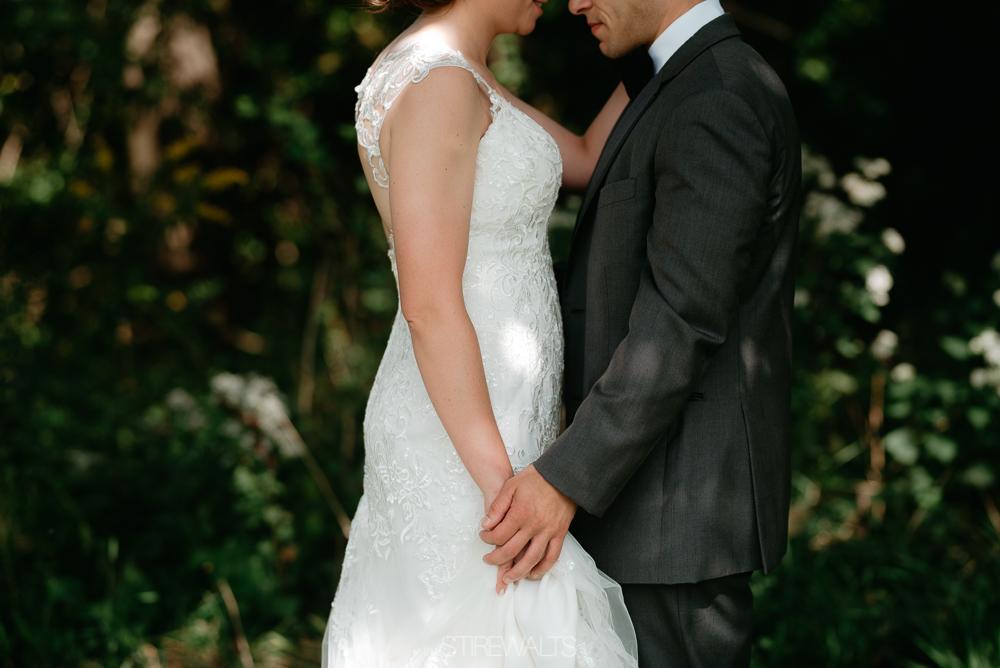 Amanda.Mike.Wedding.blog.©2017.TheStirewalts.Photography.LLC-54.jpg