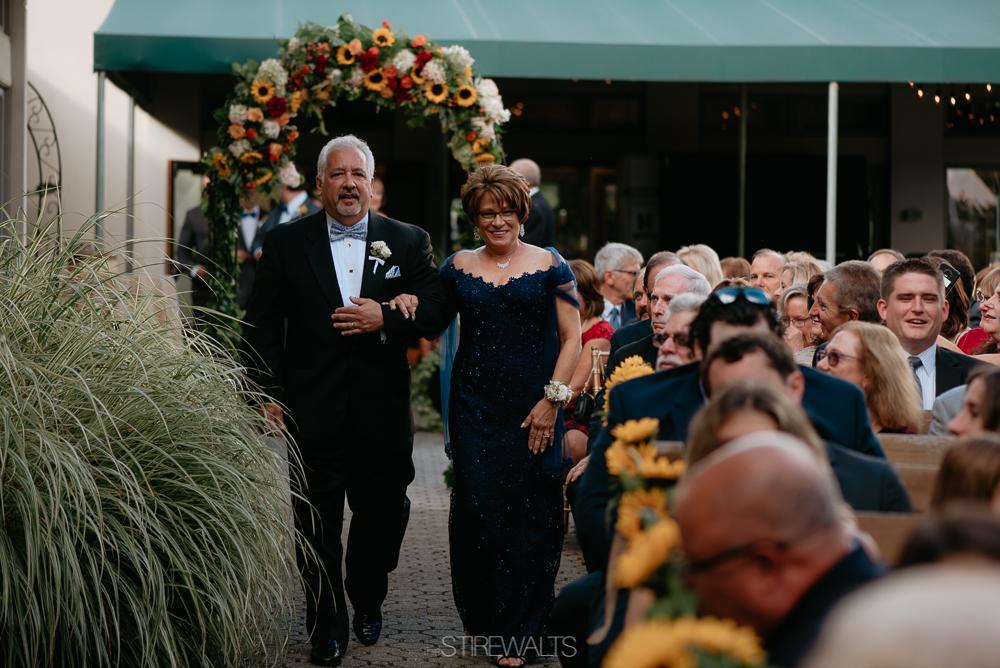 Amanda.Mike.Wedding.blog.©2017.TheStirewalts.Photography.LLC-89.jpg