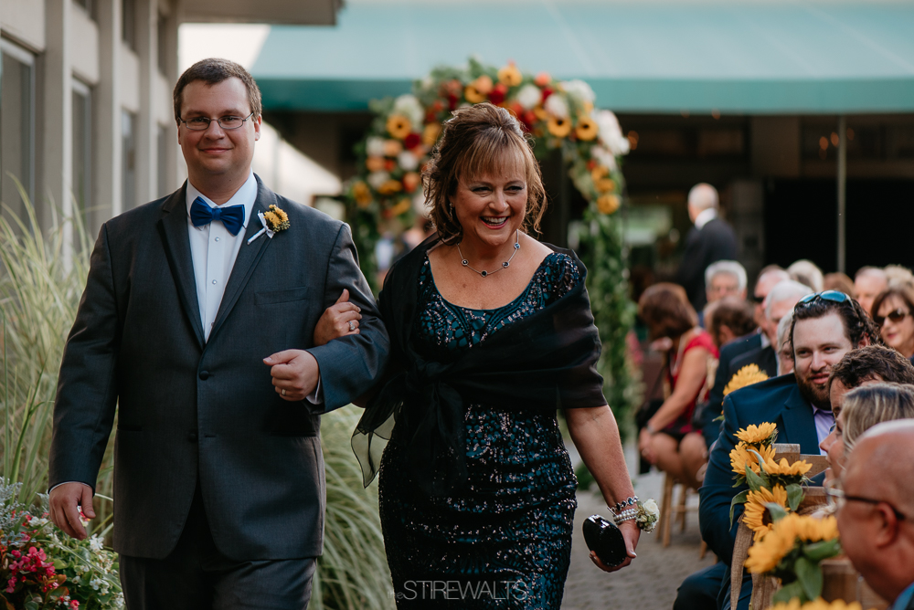 Amanda.Mike.Wedding.blog.©2017.TheStirewalts.Photography.LLC-92.jpg