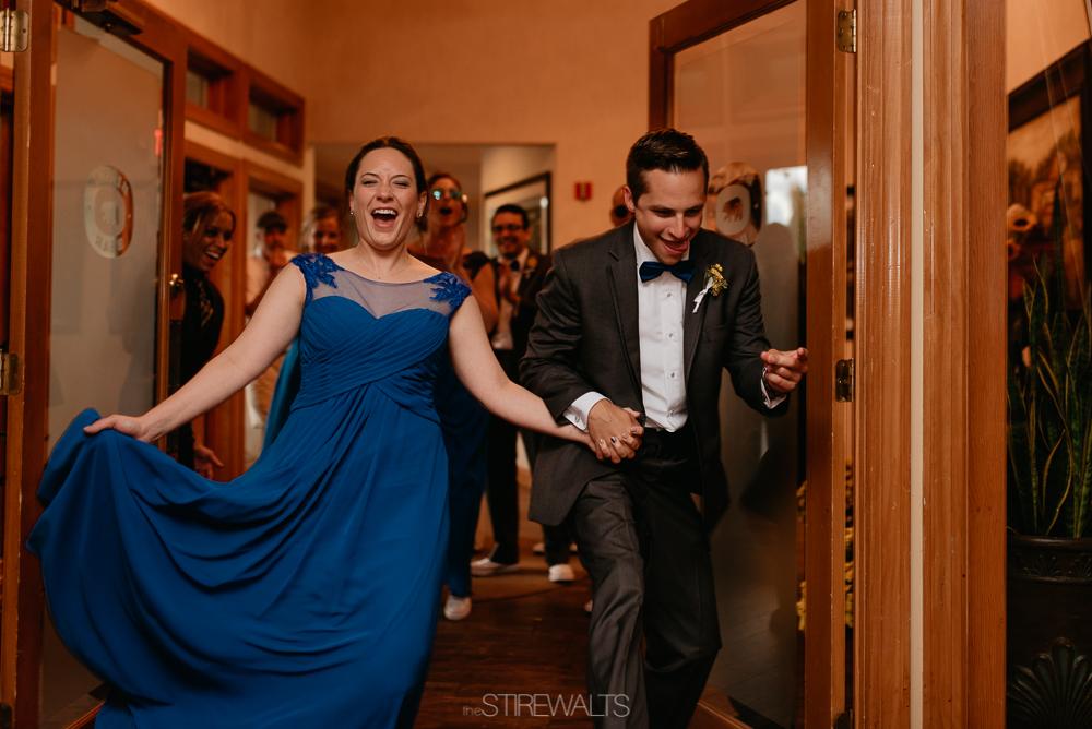 Amanda.Mike.Wedding.blog.©2017.TheStirewalts.Photography.LLC-153.jpg