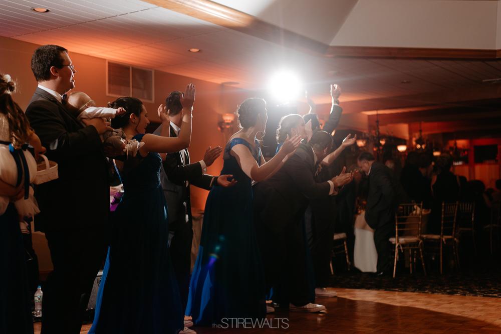 Amanda.Mike.Wedding.blog.©2017.TheStirewalts.Photography.LLC-156.jpg