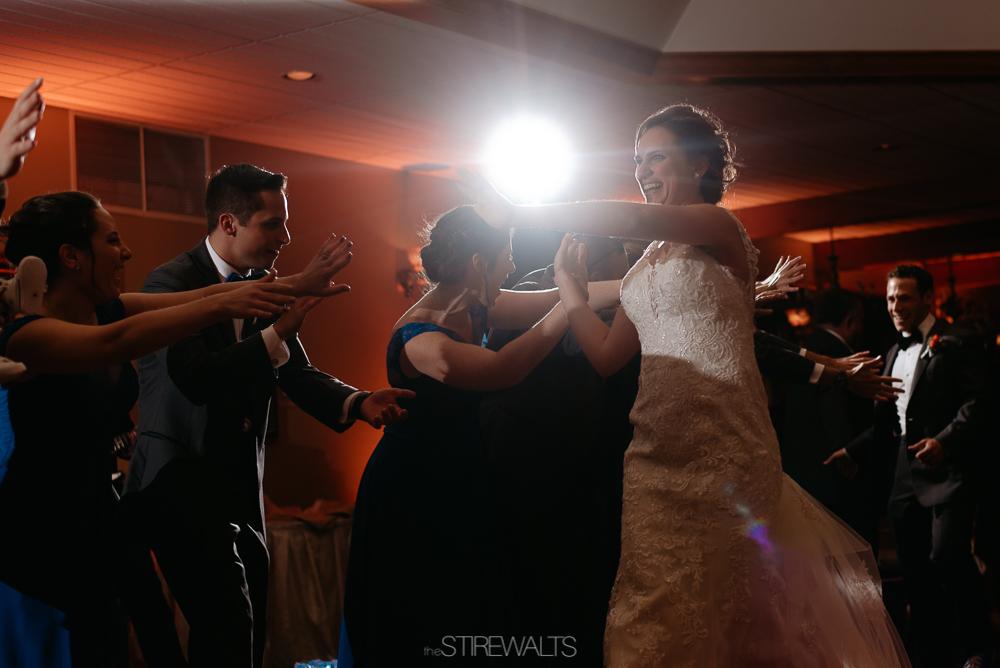 Amanda.Mike.Wedding.blog.©2017.TheStirewalts.Photography.LLC-159.jpg