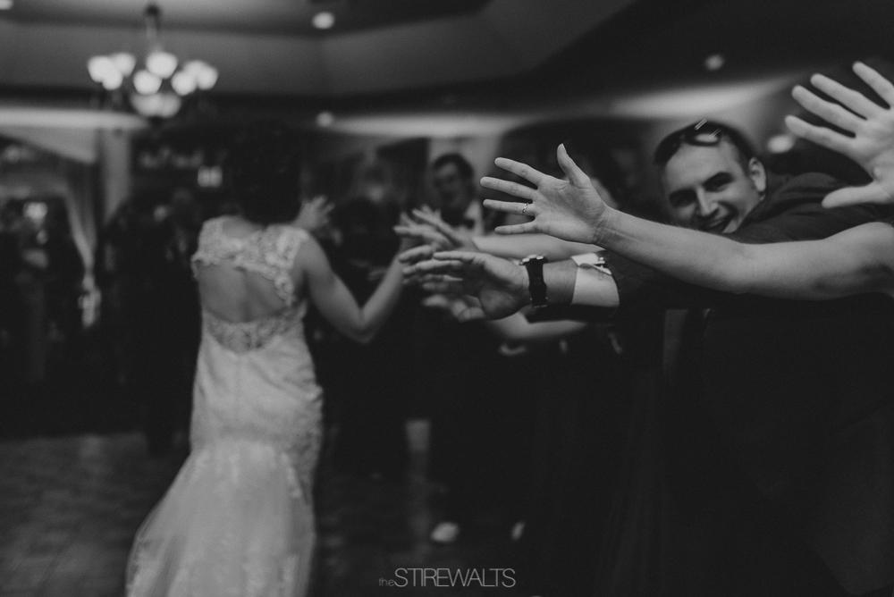 Amanda.Mike.Wedding.blog.©2017.TheStirewalts.Photography.LLC-160.jpg