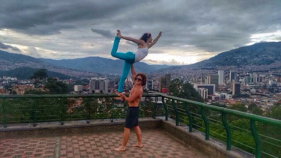 AcroYoga in the City 2
