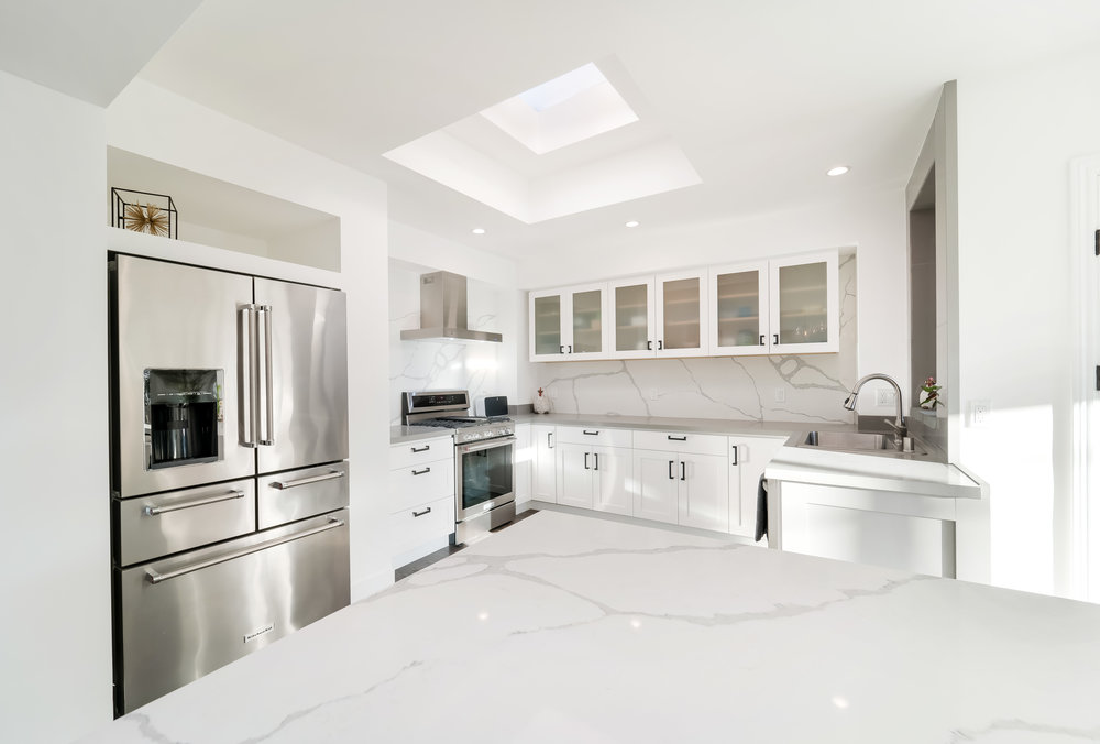 Kitchen_w Stove.jpg