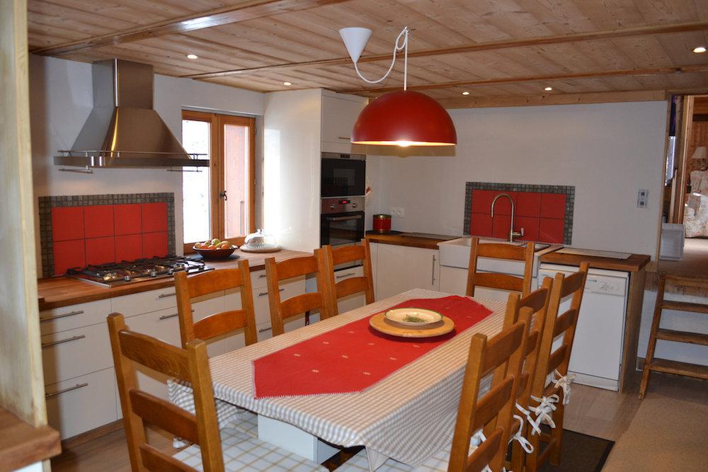 Kitchenfromdoor.jpg