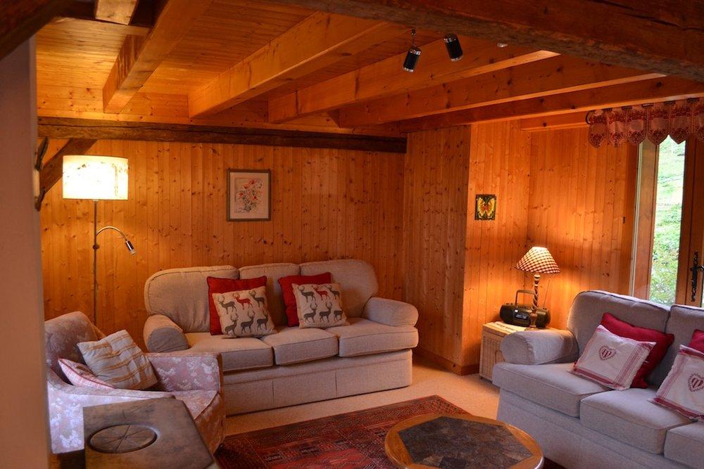 loungeupper.jpg