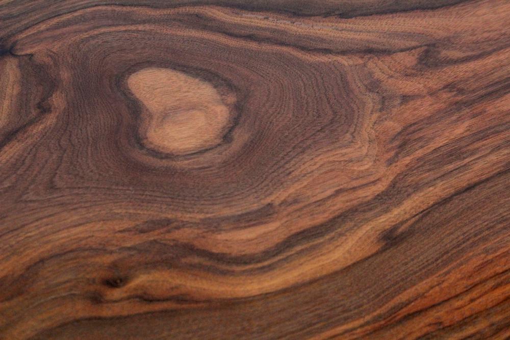premium_black_walnut_live_edge_wood_grain.png