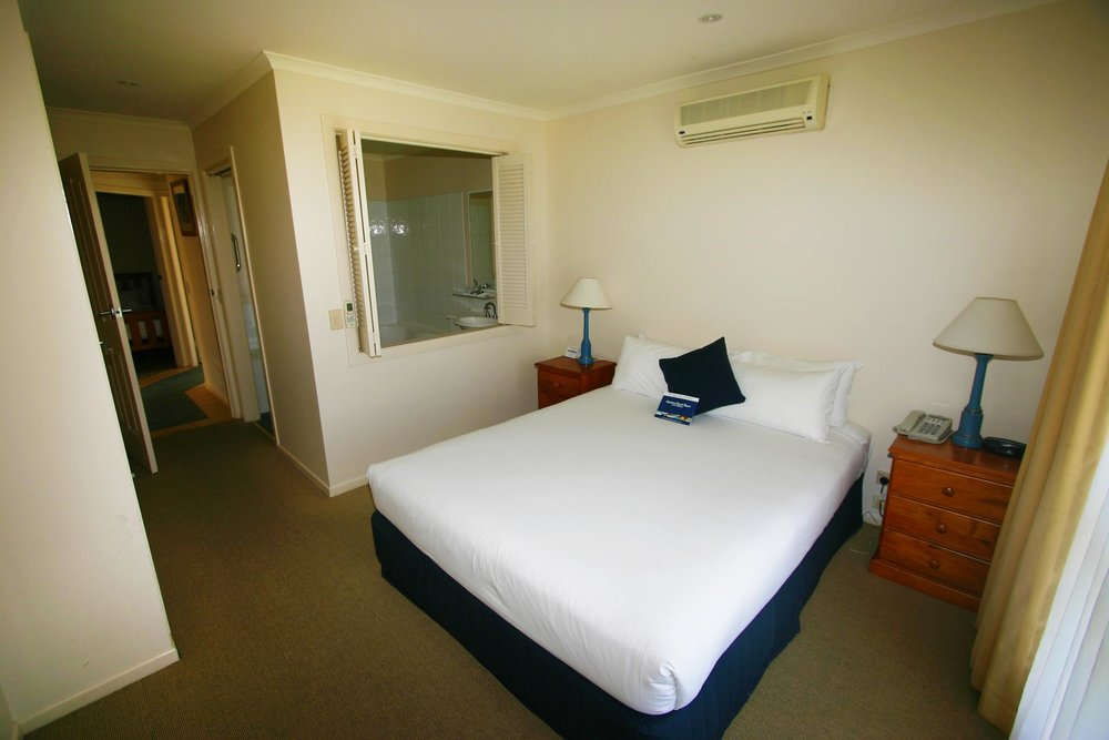 Solitary Islands 21-94 - Main bedroom (Copy).jpg