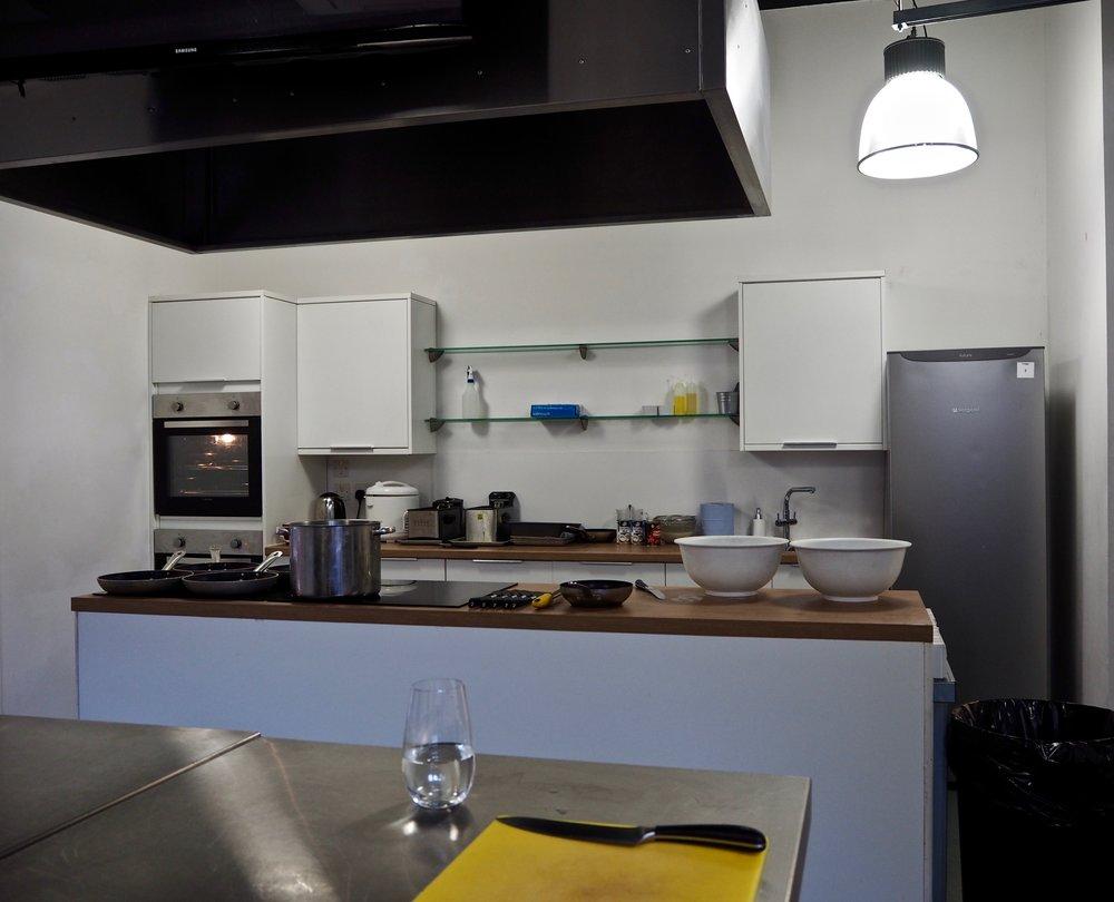 Ziemlich Gras Küchenschrank Hardware India Bilder - Ideen Für Die ...