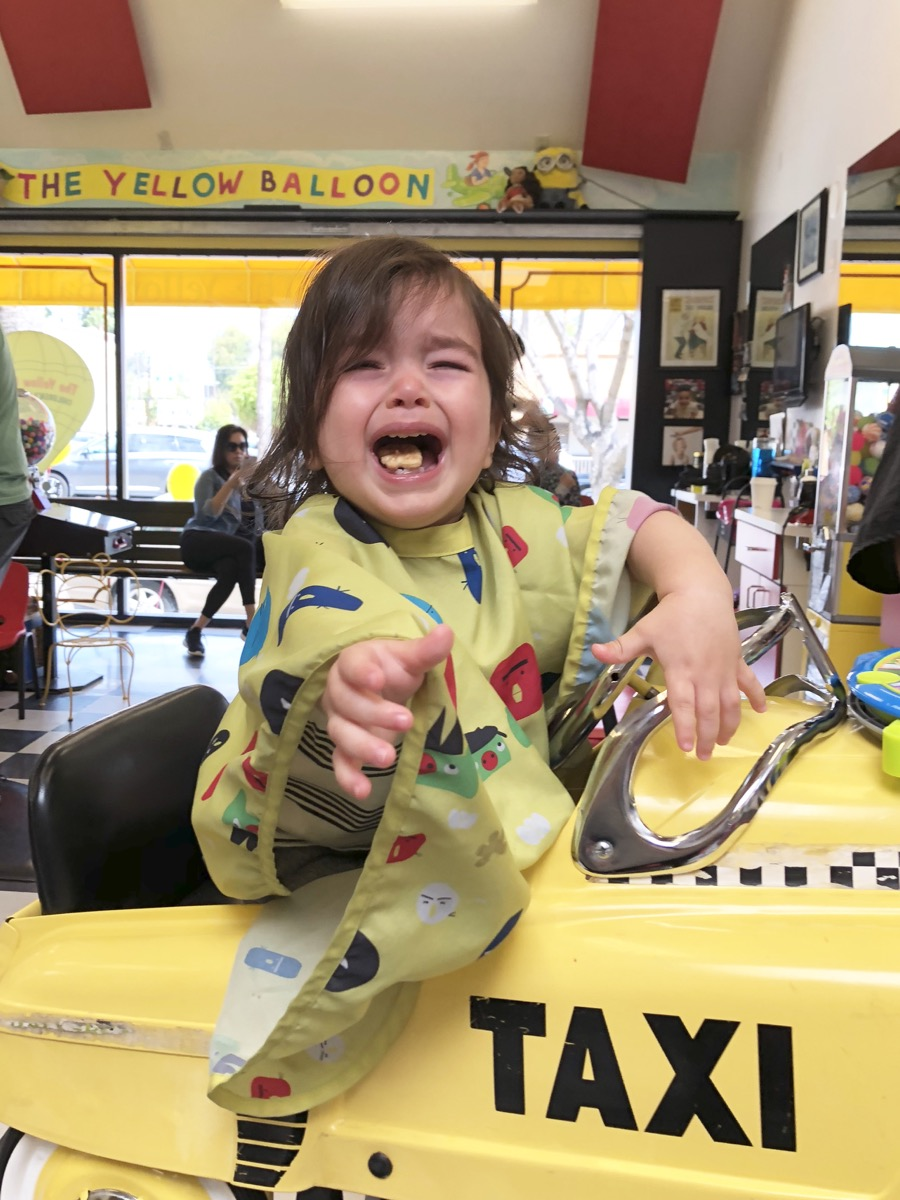 yellow-balloon-baby-haircut01.jpg