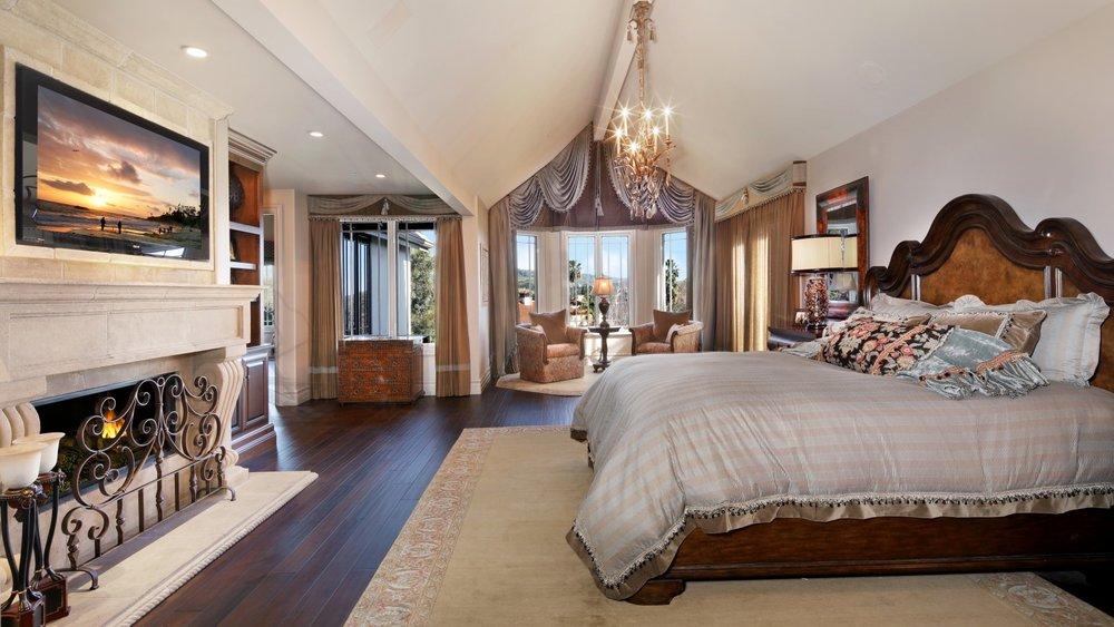 interior-design-bedroom-bed-dizain-komnata-krovat-spalnia-li.jpg