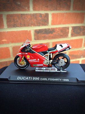 2830e000c3a Model of Carl Fogartys 1999 998 Ducati ...