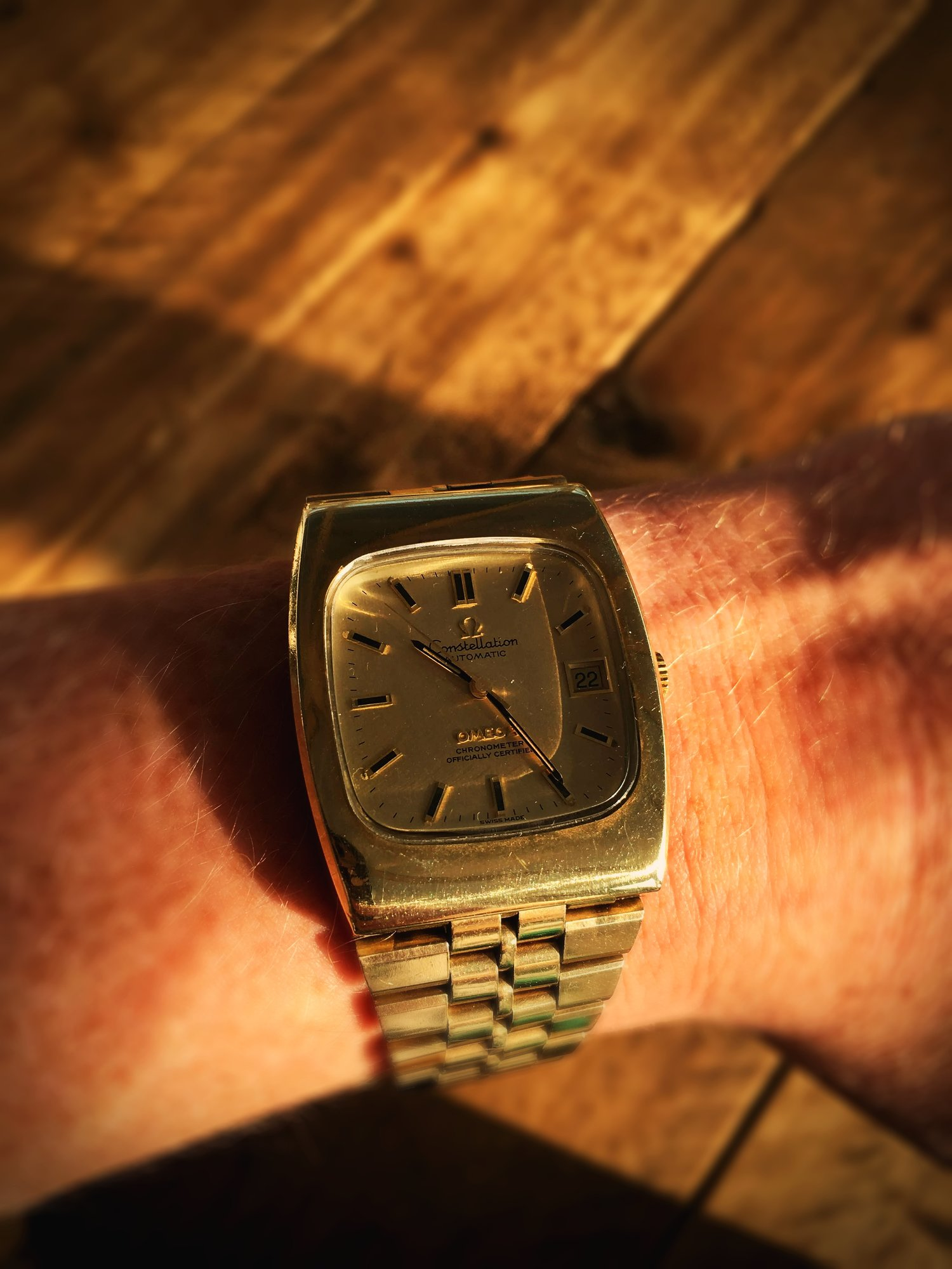 d2da5aa754a Omega Constellation. Circa 1974 Gold plated steel — TestaVeloce