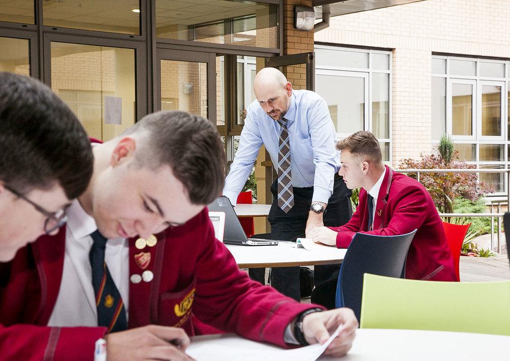 Teacher-Laptop-Students-Sixth-Form-BW-3078.jpg