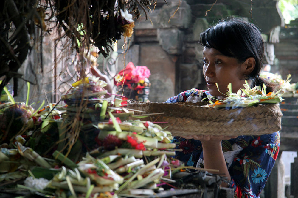 Balinese woman offerings.jpg