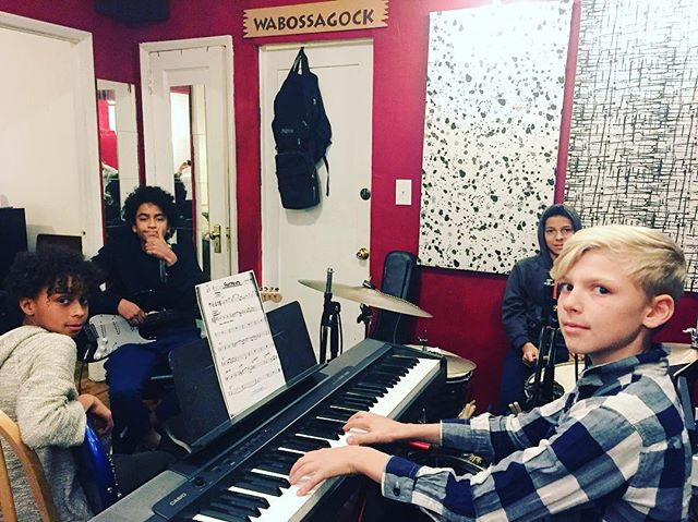 Rehearsing with this awesome group of kids! Sounding good! 🎶 #music #fun #band #musicteacher #Brooklyn #musicschool #ensemble #practice #makingmusic #pianolessons #drumlessons #guitarlessons #basslessons #musiclessons