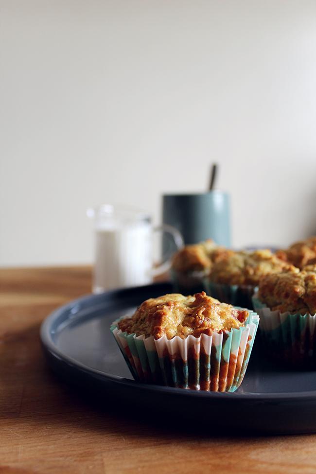 prosciutto and mozzarella muffins