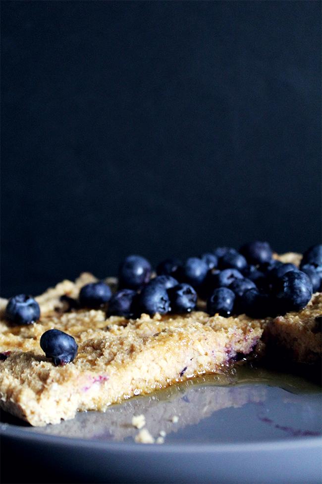 oatmeal blueberry flourless sugar-free cake