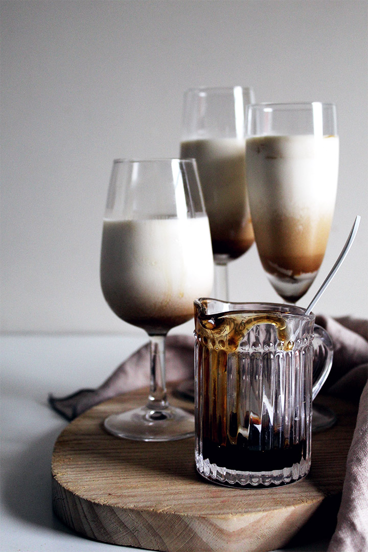 vanilla panna cotta with coffee coulis